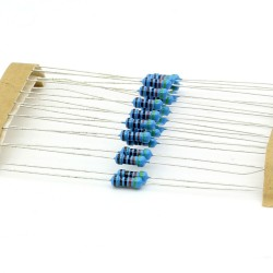 20x Résistances métal ¼W - 0.25w - 1% - 4.3kohm - 4.3k ohm - 144res272
