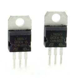 2x L7805CV - L7805 - +5V - 1.5A - Régulateur Tension - ST - T0-220 - 207IC009