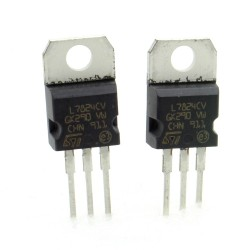 2x L7824CV - L7824 +24V 1A - Régulateur Tension - ST - T0-220 - 207IC010