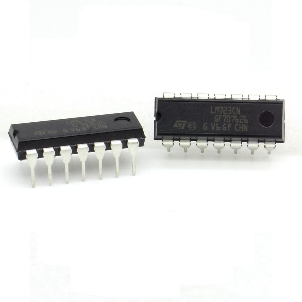 2x LM723CN LM723 2v à 37V 150mA Regulateur Tension Ajustable 209IC028 ST