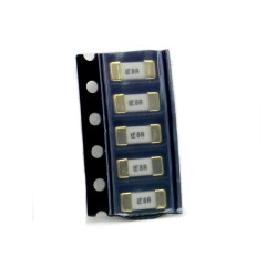 5x Fusible rapide - 8A 125v - 1808 SMD - 6x2.7x2.7mm Littelfuse - 220fus284